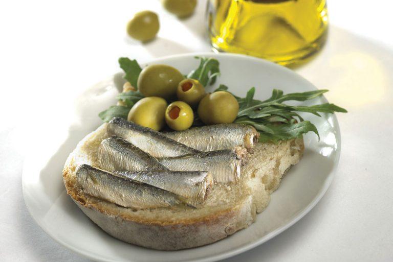 simple-sardine-sandwich